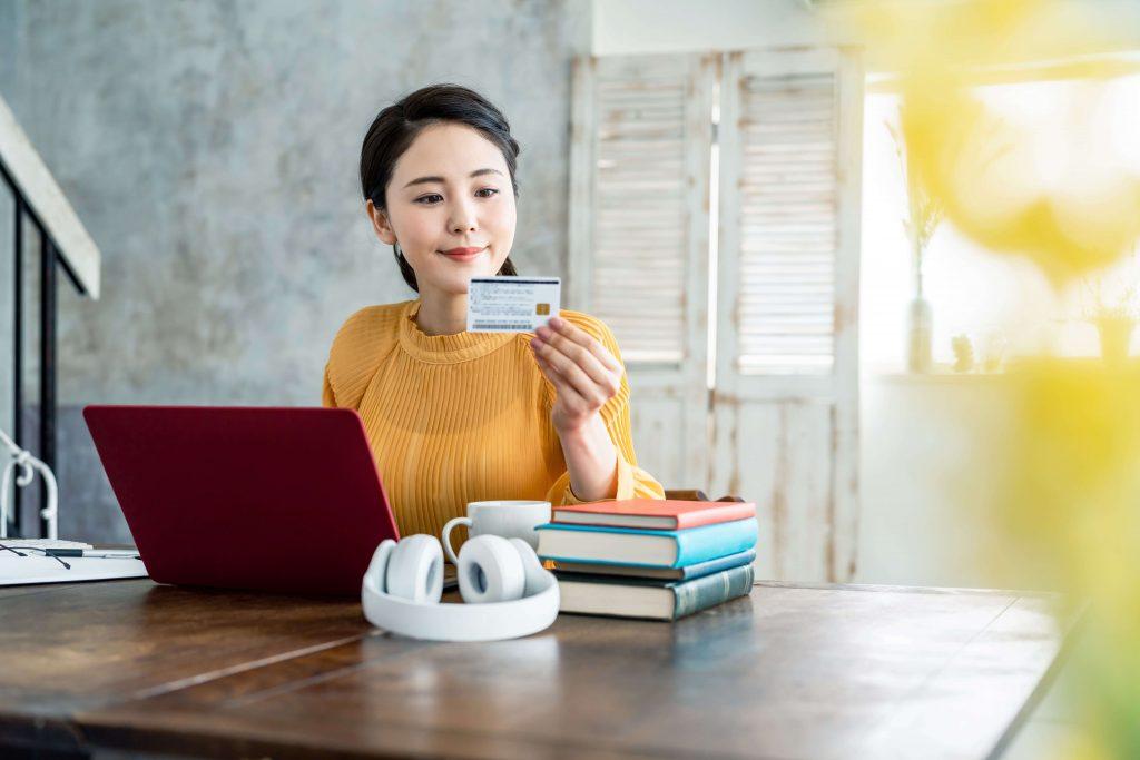 審査が通りやすいクレジットカードの特徴
